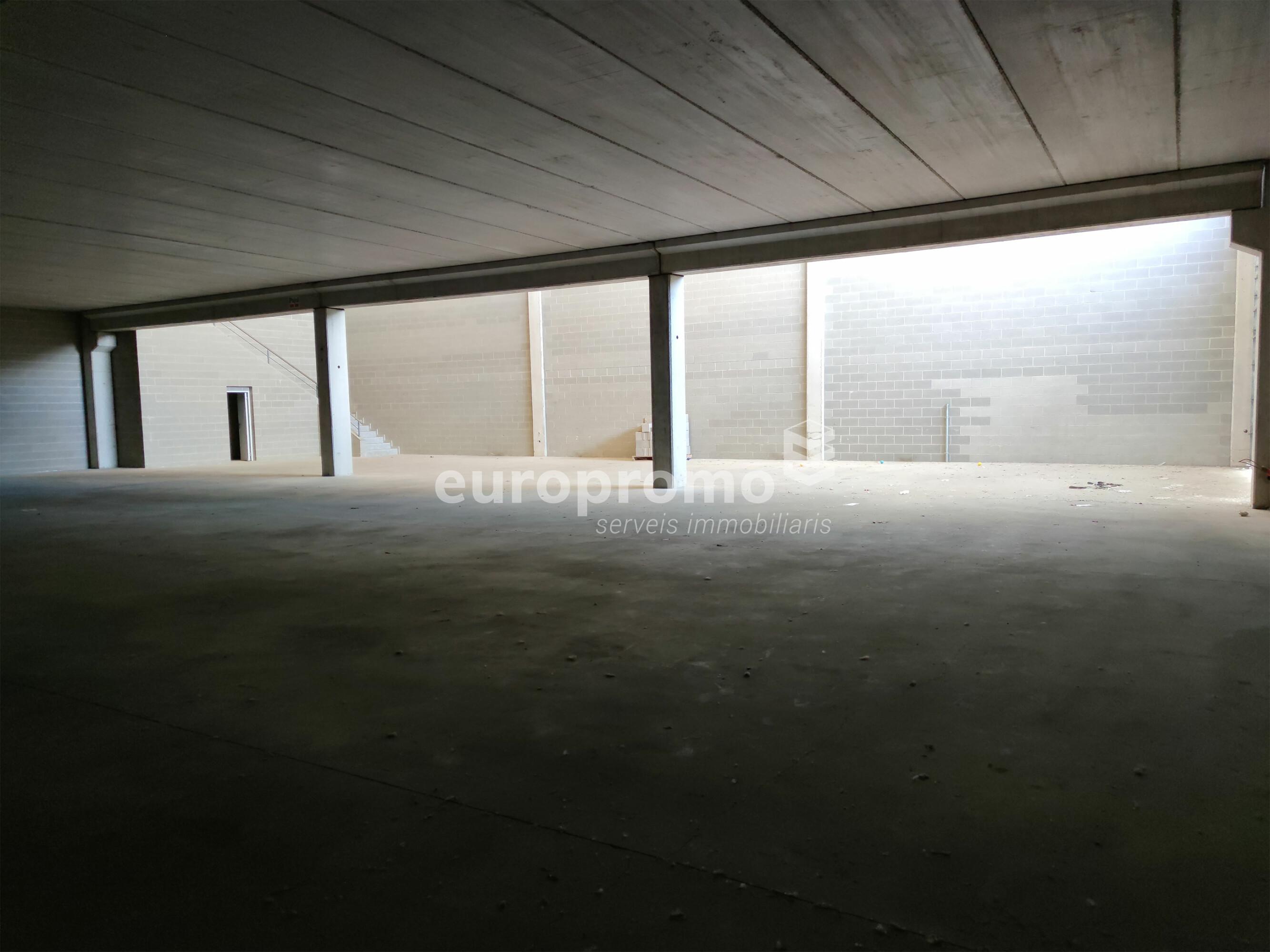 Nave de 1100 m² muy bien situada en Mas Xirgu